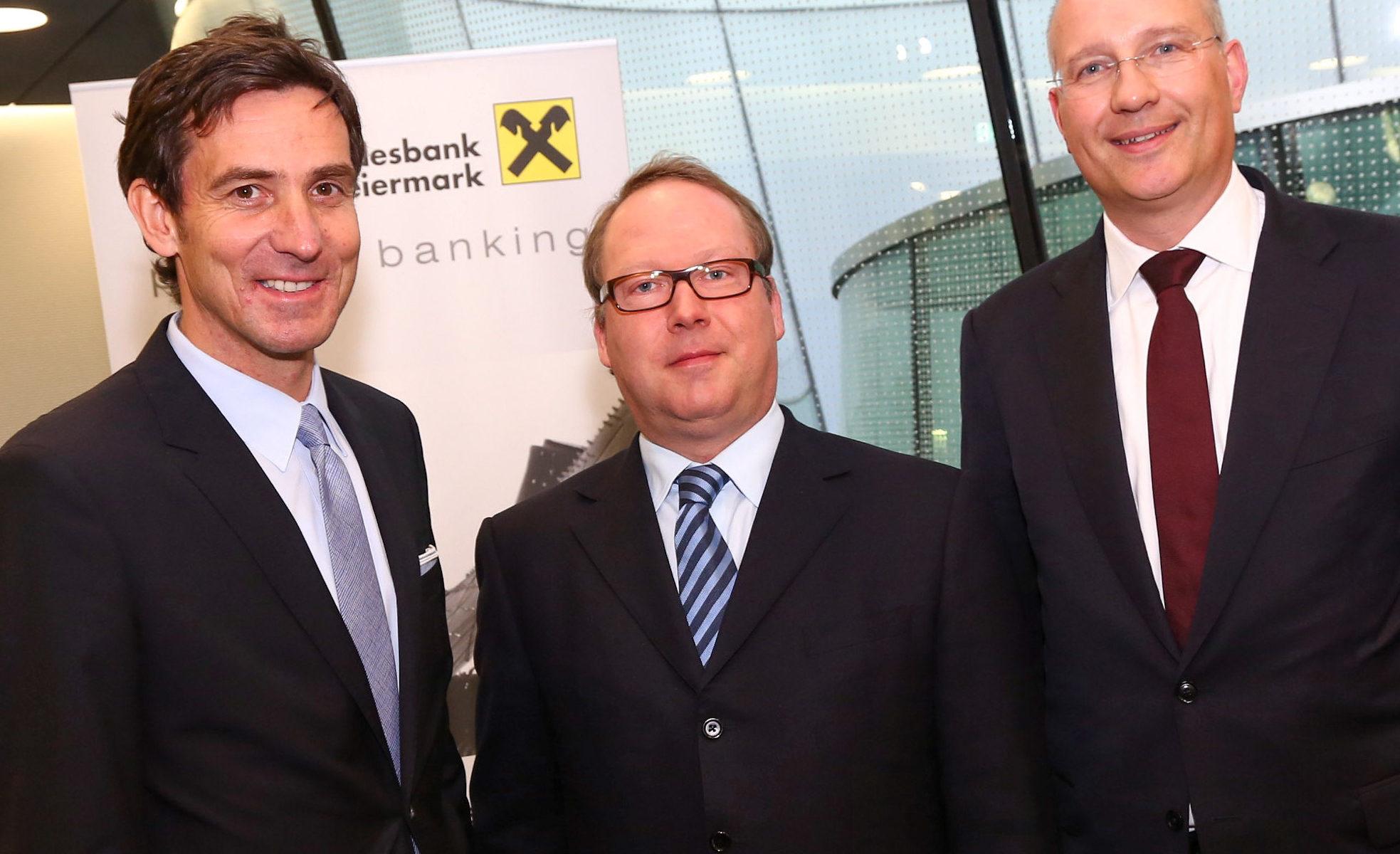 Foto v.l.: RLB Private-Banking-Chef Prok. Mag. Stefan Tschikof, Univ.-Prof. Max Otte und RLB-Vorstandsdirektor Dkfm. Arndt Hallmann.